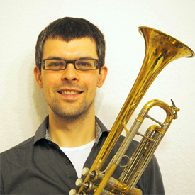 This picture shows Philipp Jessberger. He Plays the trumpet at HSD Big Band.