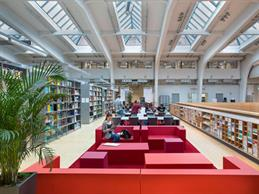 View into the university library of University of Applied Sciences Düsseldorf